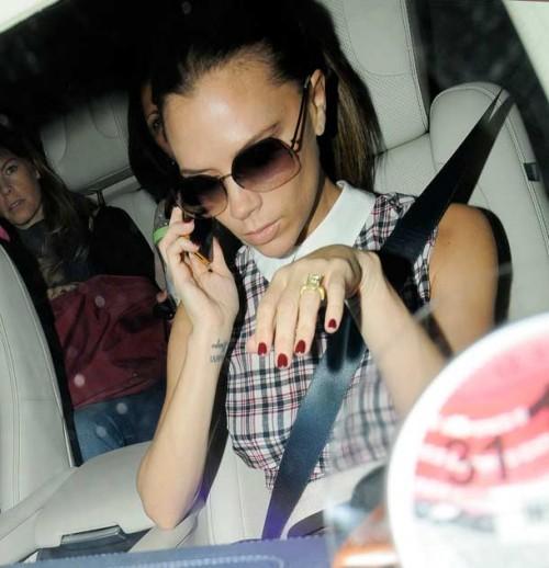 Victoria Beckham žiedas su deimantu